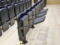 кресло для конференц-зала